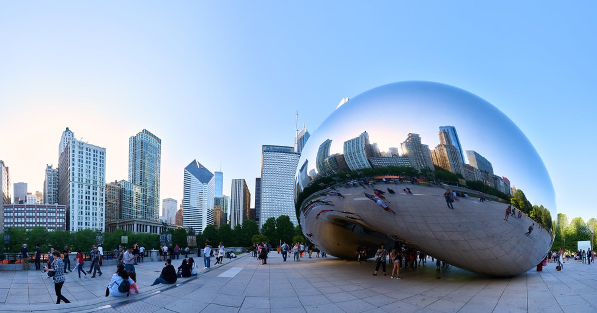 """The """"bean"""" statue in Chicago"""