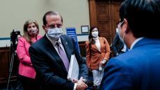Secretary Alex Azar in a mask