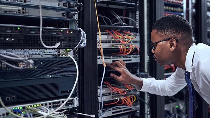 AI cloud computing server room hardware maintenance