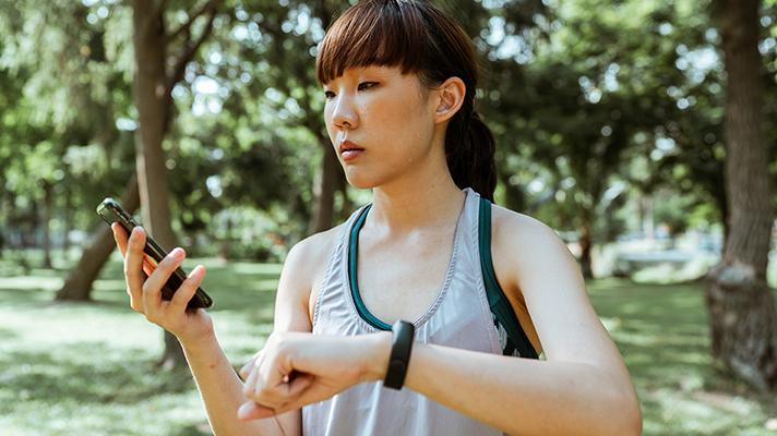 Runner with smart device